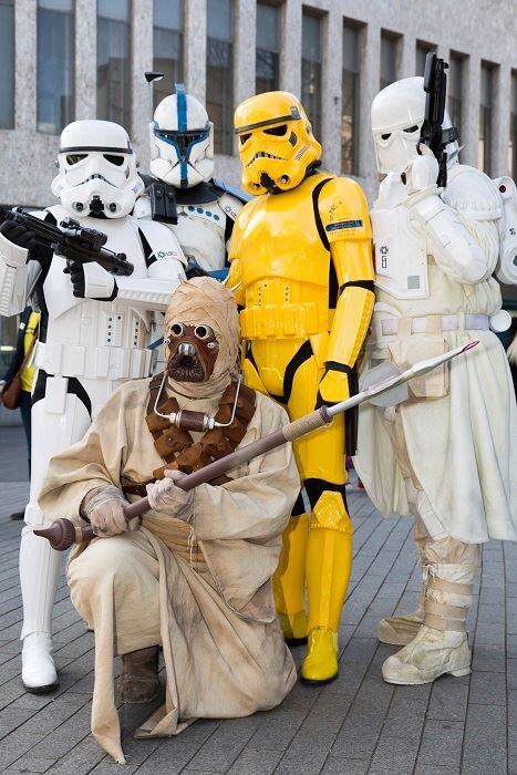 ukg members and yellow trooper